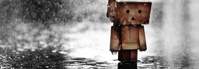 Anime caminando bajo la lluvia