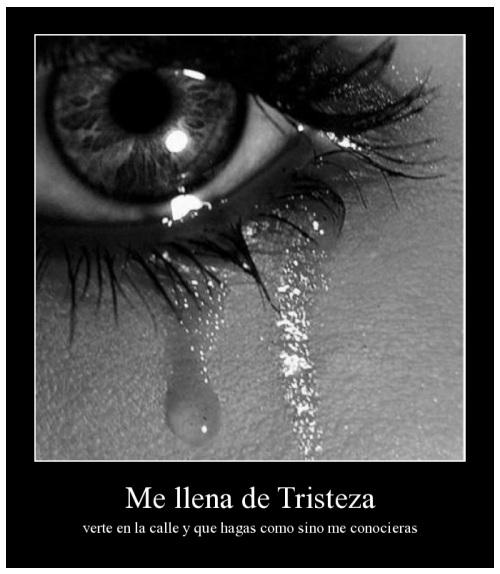 Llena de tristeza