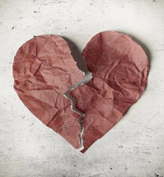 Corazón destruido y roto